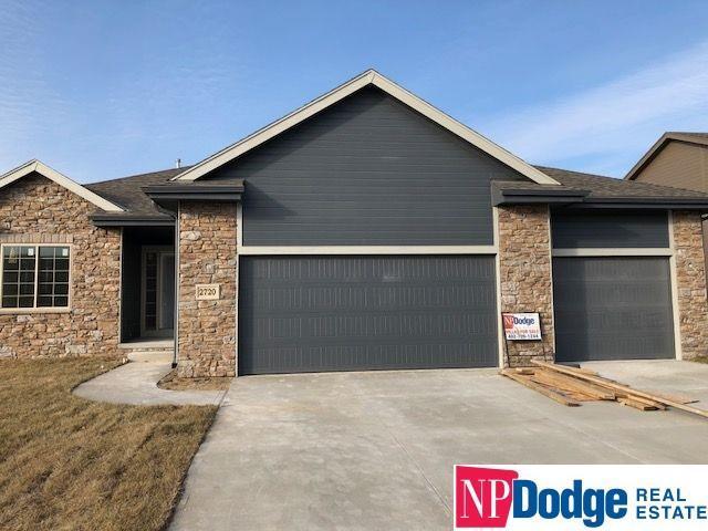 2720 N 191 Avenue, Omaha, NE 68022 (MLS #21712842) :: Omaha Real Estate Group