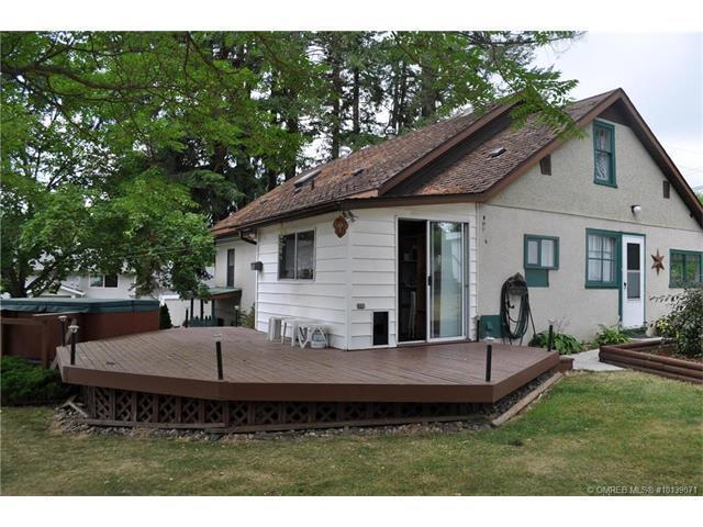 3200 30 Avenue Northeast, Salmon Arm, BC V1E 1Z9 (MLS #10139071) :: Walker Real Estate