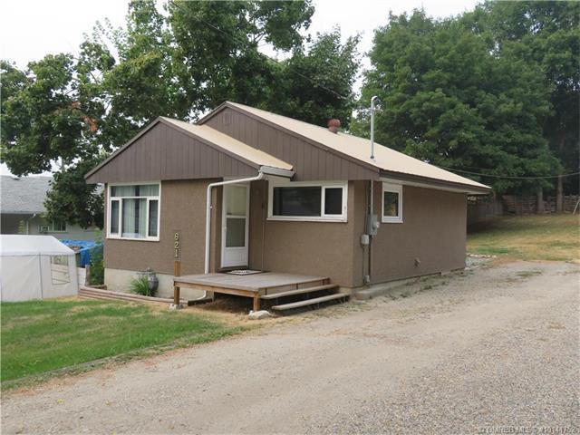 621 Okanagan Avenue Northeast, Salmon Arm, BC V1E 4E3 (MLS #10141752) :: Walker Real Estate