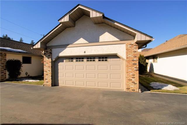 #8 1873 Parkview Crescent,, Kelowna, BC V1Z 3P9 (MLS #10152641) :: Walker Real Estate