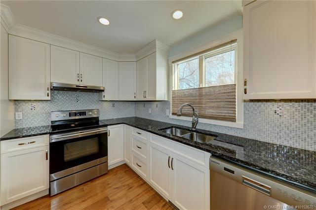 2054 Zinnia Road,, Kelowna, BC V1V 1P5 (MLS #10152676) :: Walker Real Estate