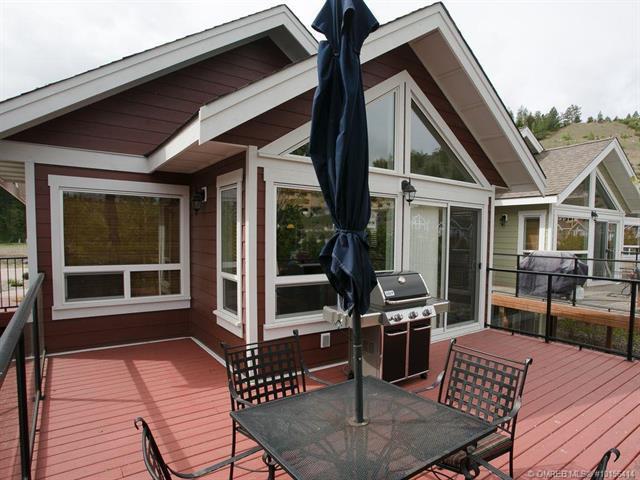 6825 Madrid Way,, Kelowna, BC V1Z 3R8 (MLS #10156414) :: Walker Real Estate