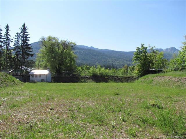 615 Shuswap Street, SW, Salmon Arm, BC V1E 4P2 (MLS #10165584) :: Walker Real Estate Group