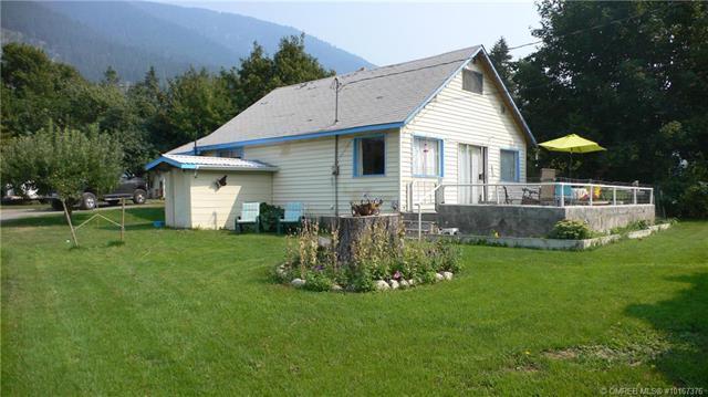 5690 Highway 97 N,, Falkland, BC V0E 1W0 (MLS #10167376) :: Walker Real Estate Group