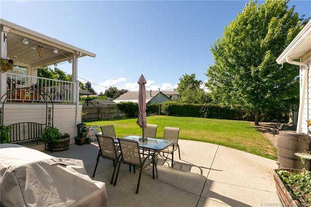 245 Venus Road,, Kelowna, BC V1X 1H6 (MLS #10167869) :: Walker Real Estate Group