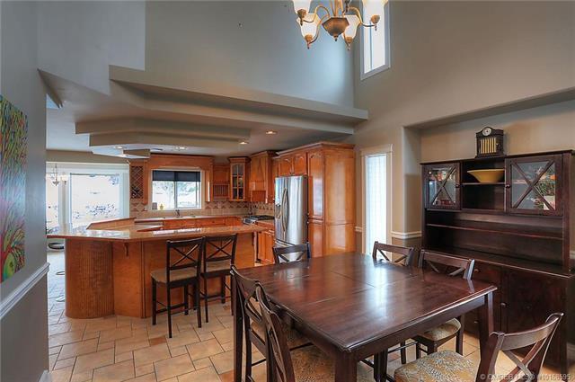 671 South Crest Drive,, Kelowna, BC V1W 4W6 (MLS #10168595) :: Walker Real Estate Group