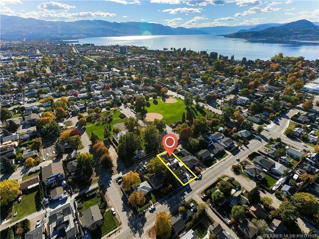 779 Rose Avenue,, Kelowna, BC V1Y 5K1 (MLS #10171999) :: Walker Real Estate Group