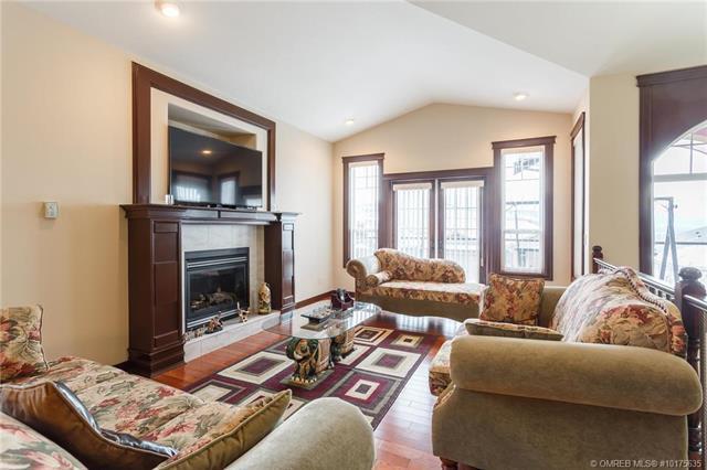 1406 Wilmot Avenue, W, Kelowna, BC V1P 1N3 (MLS #10175635) :: Walker Real Estate Group