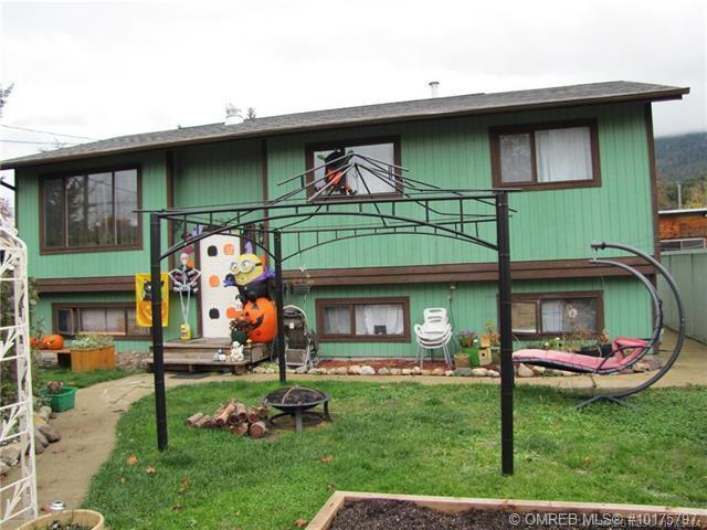 7090 51st Street, NE, Salmon Arm, BC V0E 1K0 (MLS #10175797) :: Walker Real Estate Group