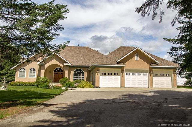 2281 Auto Road, SE, Salmon Arm, BC V1E 4N5 (MLS #10177419) :: Walker Real Estate Group