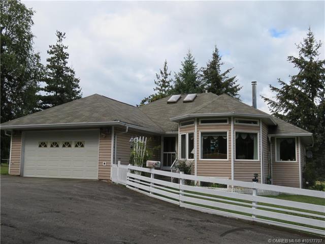 701 97B Highway, SE, Salmon Arm, BC V1E 1W6 (MLS #10177707) :: Walker Real Estate Group