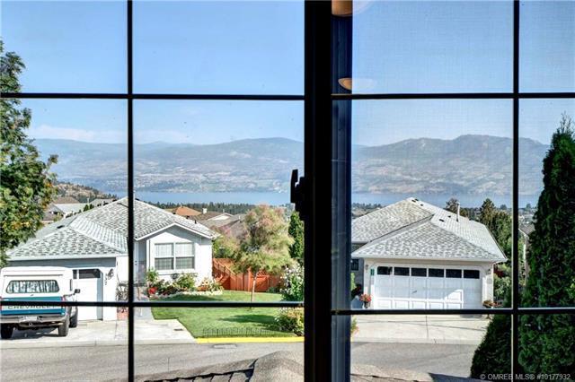 #330 2440 Old Okanagan Highway,, West Kelowna, BC V4T 1X6 (MLS #10177932) :: Walker Real Estate Group