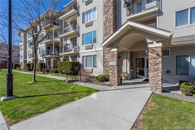 #305 250 Dougall Road, N, Kelowna, BC V1X 3K5 (MLS #10180578) :: Walker Real Estate Group