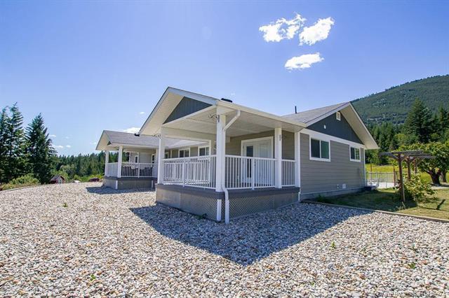 5451 5 Avenue, SW, Salmon Arm, BC V1E 3B4 (MLS #10150974) :: Walker Real Estate