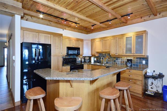 #103 250 Feathertop Way,, Kelowna, BC V1P 1P3 (MLS #10155751) :: Walker Real Estate