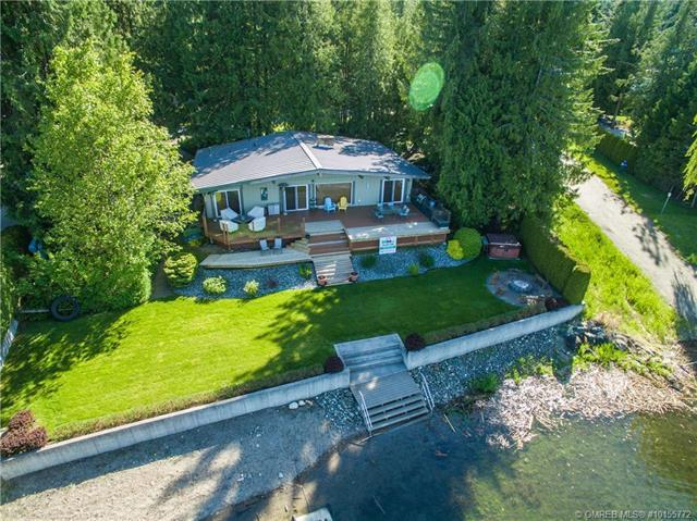 697 Viel Road,, Sorrento, BC V0E 2W1 (MLS #10155772) :: Walker Real Estate