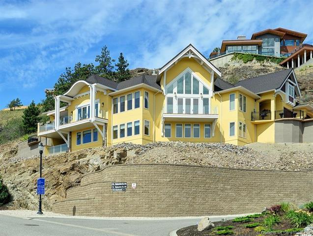 708 Highpointe Drive,, Kelowna, BC V1V 2Y1 (MLS #10156103) :: Walker Real Estate