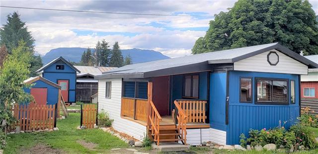 #7 1113 Fourth Street, E, Revelstoke, BC V0E 2S0 (MLS #10163079) :: Walker Real Estate