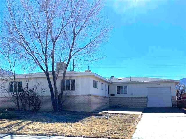 1322 Mc Kinley Av, Alamogordo, NM 88310 (MLS #160324) :: Assist-2-Sell Buyers and Sellers Preferred Realty