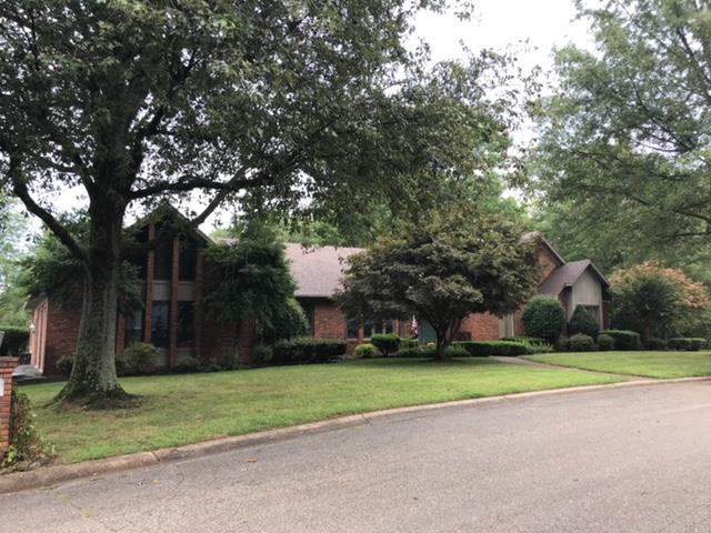 3101 Oakridge Ct, Owensboro, KY 42303 (MLS #74575) :: Farmer's House Real Estate, LLC