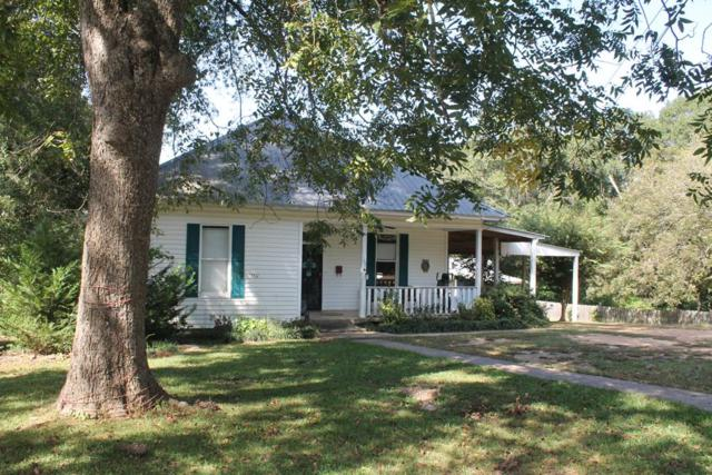 107 Simmons St, WATER VALLEY, MS 38965 (MLS #141660) :: John Welty Realty