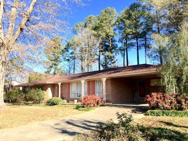402 Beadle Street, Calhoun City, MS 38916 (MLS #139475) :: John Welty Realty