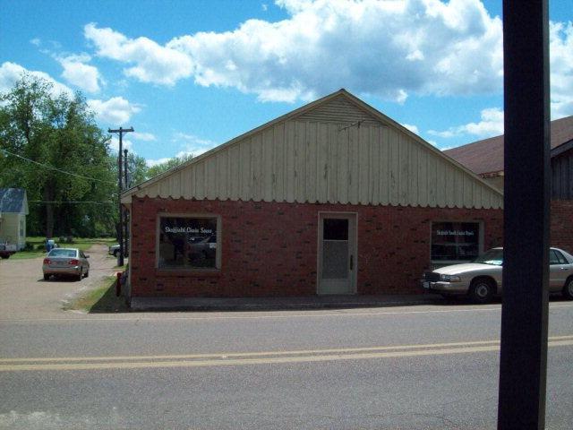 104 Blackmur Drive - Photo 1