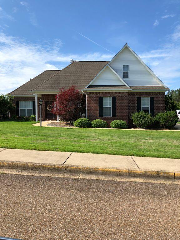 145 Breckenridge Dr, OXFORD, MS 38655 (MLS #140841) :: John Welty Realty