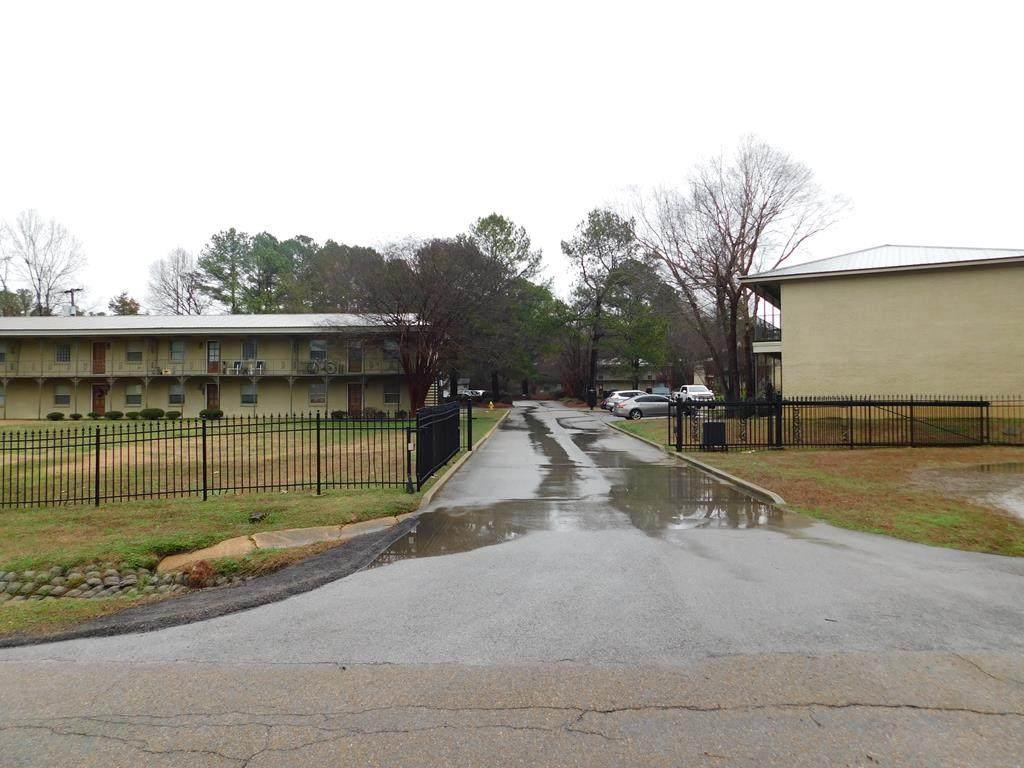 126 College Hill Drive - Photo 1