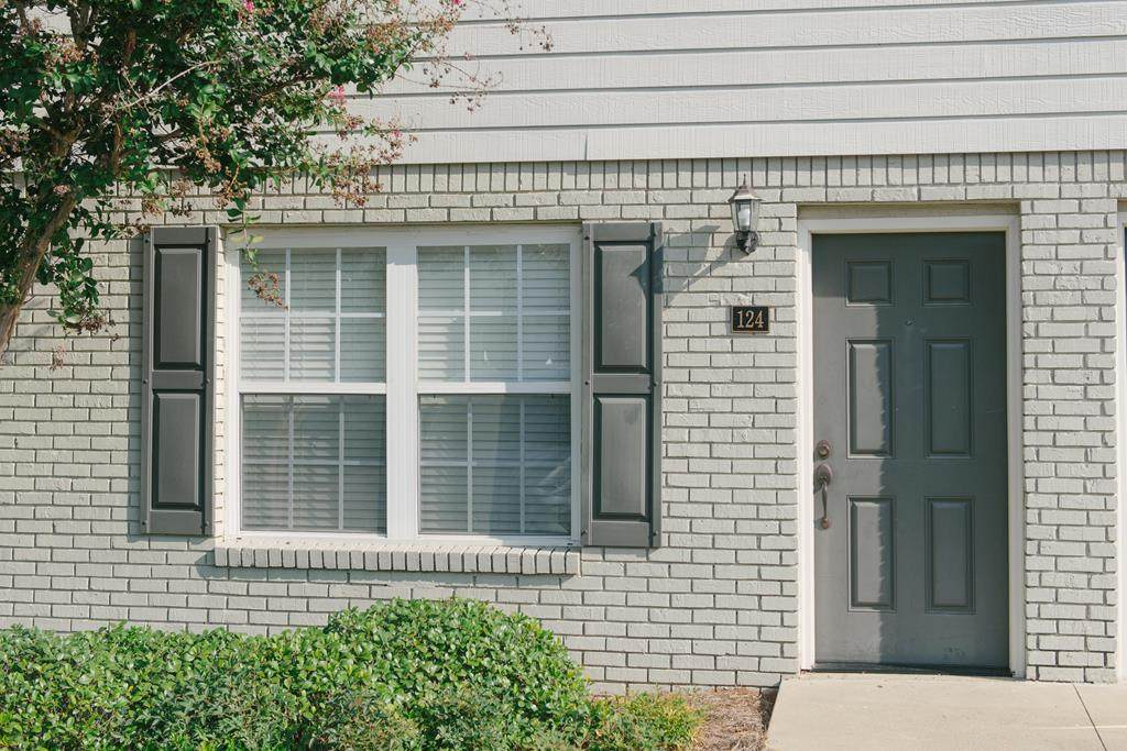 #124 1802 Jackson Ave. W - Photo 1