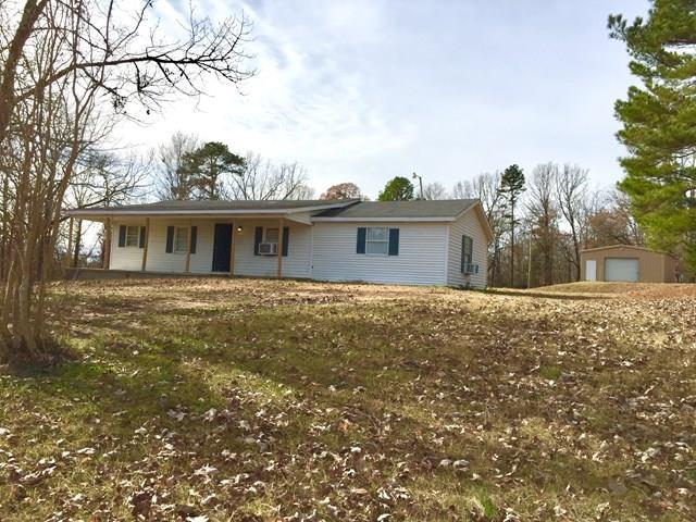 5594 Hwy 32, WATER VALLEY, MS 38965 (MLS #139459) :: John Welty Realty