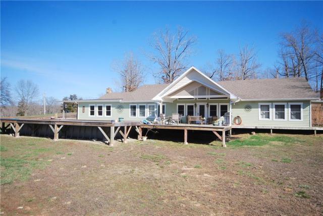 2995 Oak Bend Rd, Sunrise Beach, MO 65079 (MLS #3503368) :: Coldwell Banker Lake Country