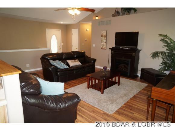 6255 Shadow Circle, Osage Beach, MO 65065 (MLS #3123452) :: Coldwell Banker Lake Country