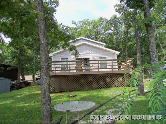 1589 Robin Hood Lane, Roach, MO 65787 (MLS #3124479) :: Coldwell Banker Lake Country