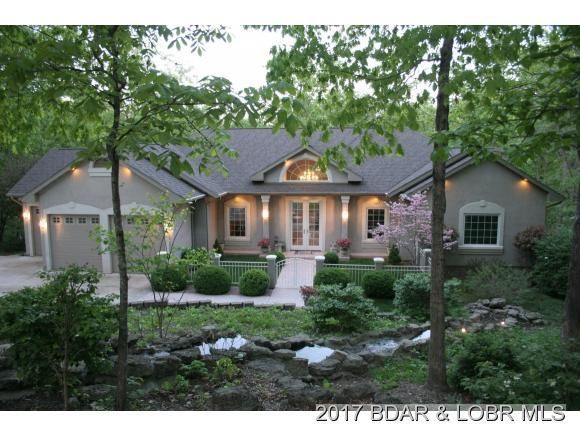 152 Greystone Lane, Villages, MO 65079 (MLS #3124693) :: Coldwell Banker Lake Country