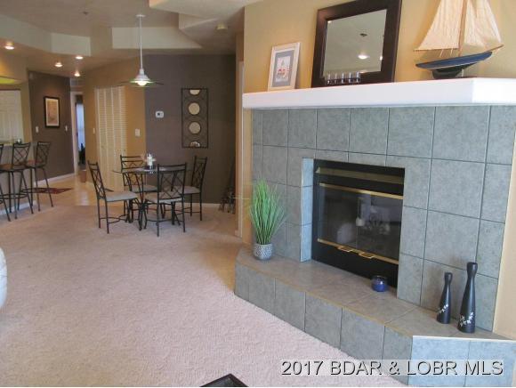 214 Emerald Bay Drive 1-C, Lake Ozark, MO 65049 (MLS #3126343) :: Coldwell Banker Lake Country