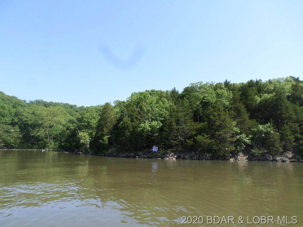 Oak Point - Photo 1