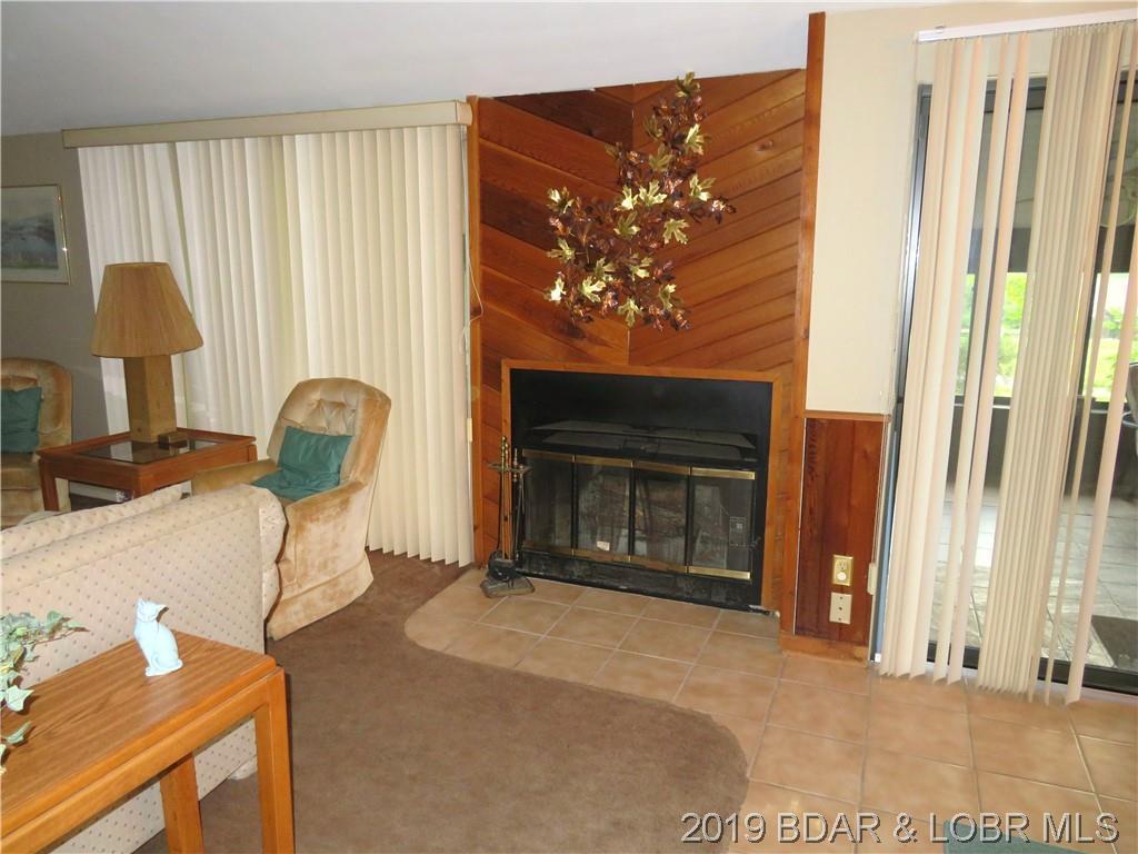 287 Staniel Cay Drive, Osage Beach, MO 65065