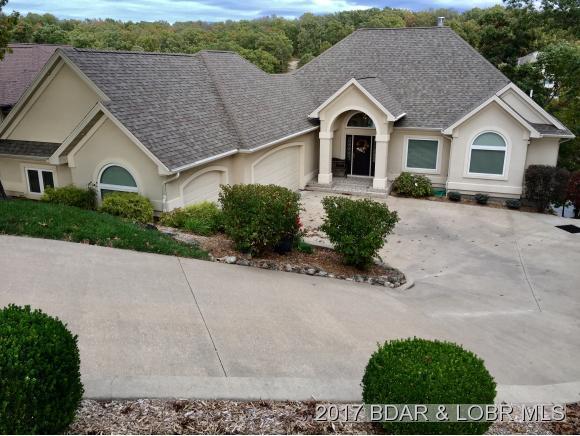 562 Forestridge Lane, Villages, MO 65079 (MLS #3126500) :: Coldwell Banker Lake Country