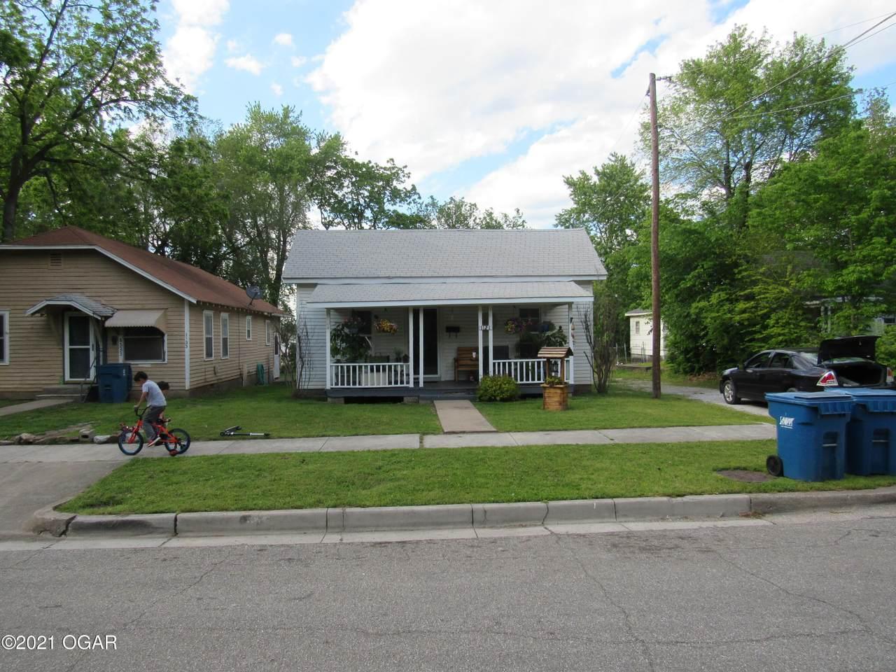 1121-1123 5th Street - Photo 1