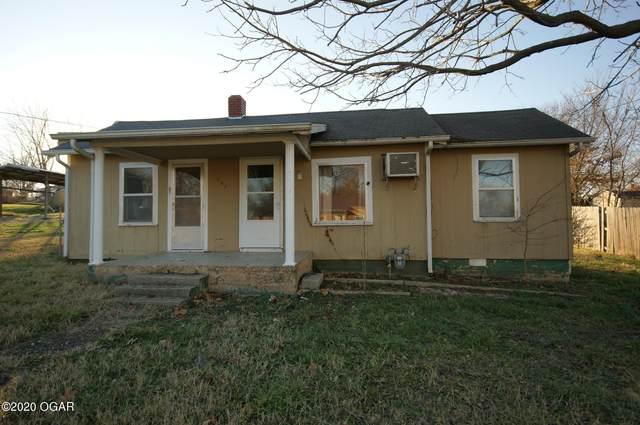 307 S Chestnut Street, Stockton, MO 65785 (MLS #205675) :: Davidson Group