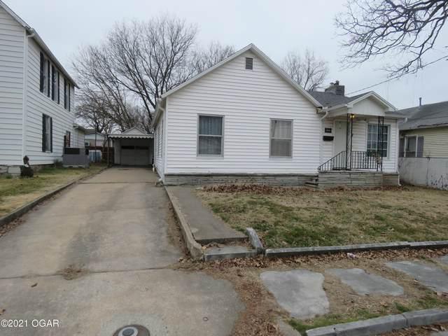 409 Fall, Carthage, MO 64836 (MLS #211087) :: Davidson Group