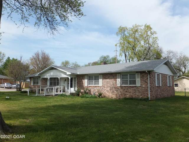 2043 Grand Ave Avenue, Carthage, MO 64836 (MLS #211811) :: Davidson Group