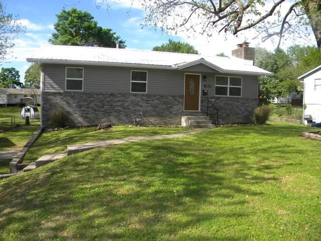 1211 Cedar Street, Carthage, MO 64836 (MLS #211915) :: Davidson Group