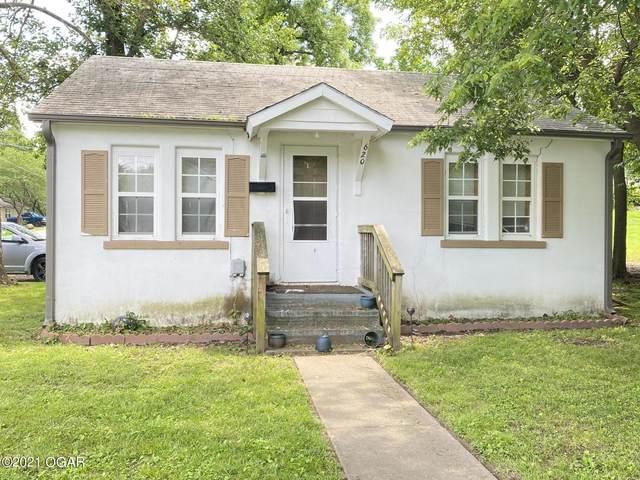 620 E 14th Street, Carthage, MO 64836 (MLS #212568) :: Davidson Group