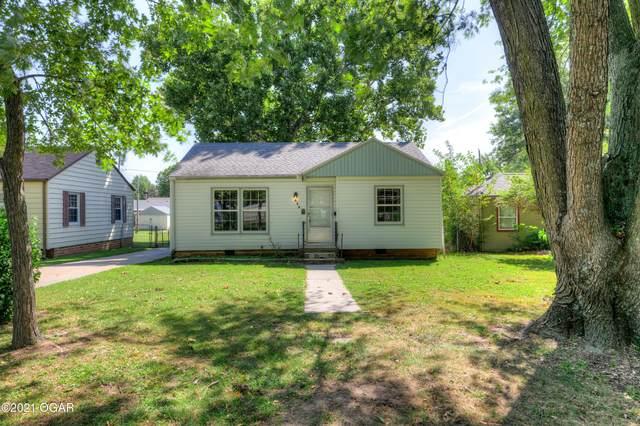 426 Cleveland Avenue, Baxter Springs, KS 66713 (MLS #213999) :: Davidson Group