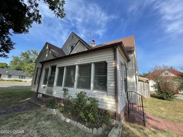 915 4th Street, Monett, MO 65708 (MLS #214085) :: Davidson Group