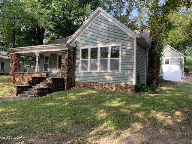 904 Cherokee Avenue, Seneca, MO 64865 (MLS #214442) :: Davidson Group