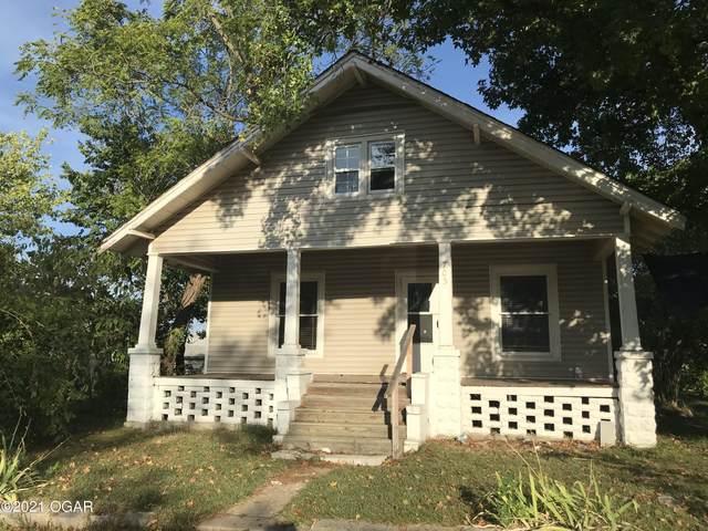 703 N Pennsylvania Street, Webb City, MO 64870 (MLS #215108) :: Davidson Group