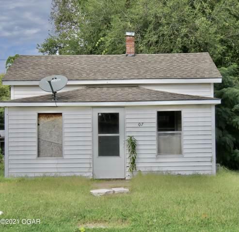 607 E 7th Street, Carthage, MO 64836 (MLS #215226) :: Davidson Group